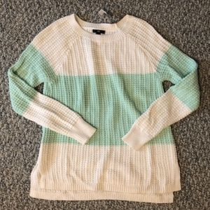 NWT Mint and White Knit Gap Sweater